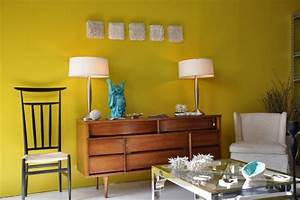 Collections of Vintage Furnishings with Modern Touch