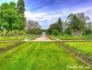 Jardin de l39arquebuse dijon france travel to eat for Jardin de l arquebuse dijon france