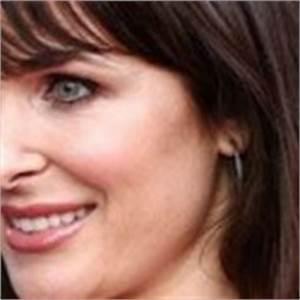 Danielle Bisutti Height Weight Body Statistics - Healthy Celeb