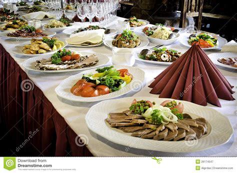 vector de banquete con mucho alimento
