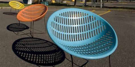 chaise de couleur en plastique la chaise solair icône du design québécois