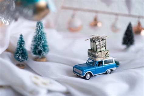 adorable ideas  wrapping cash gifts hgtvs