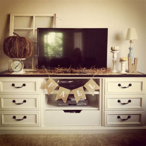 Decorating Ideas Tv Consoles by The 25 Best Tv Stand Decor Ideas On Tv Decor