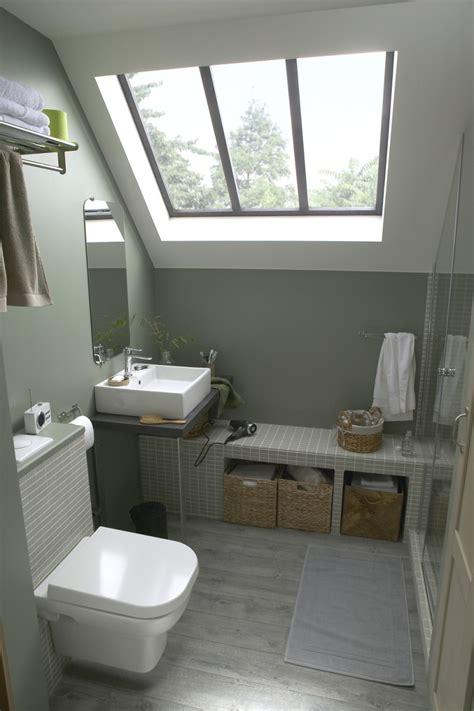 salle de bains combles une salle d eau sous les combles leroy merlin