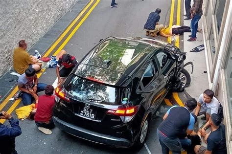 2 Pinoys dead in car accident outside Singapore mall | ABS ...