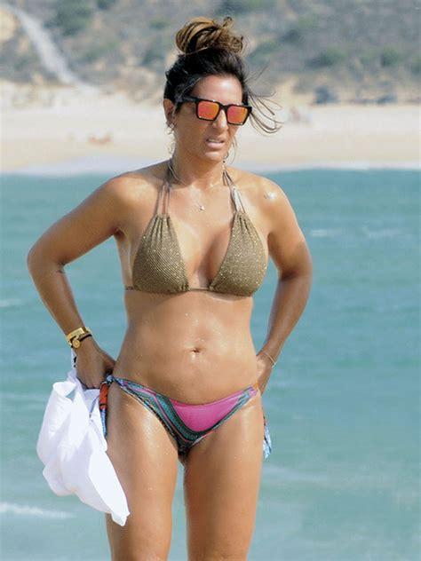 caitlin sanchez bikini cuanto da 241 o raquel bollo pillada en la playa por los