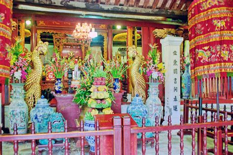 panoramio photo of le temple du mont jade ngoc temple
