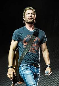 Dierks Bentley Concerts And Love Me On Pinterest