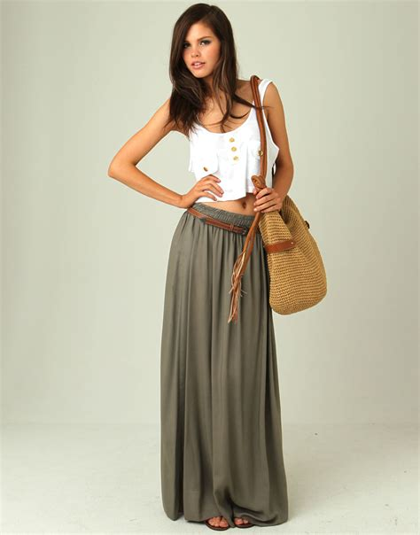 Stylish and Elegant Maxi Skirt Outfits for Girls | Glamour Talkz
