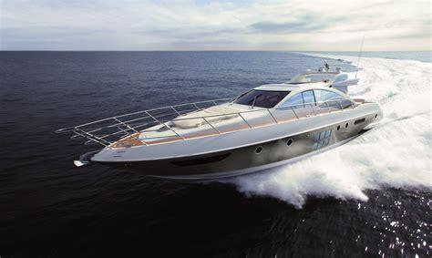 Luxury Yacht Azimut 62s Italia — Yacht Charter