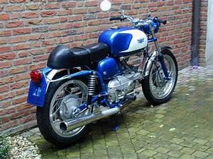 Aermacchi Ala Azzurra 250