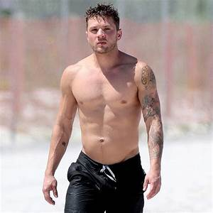 Ryan Phillippe Shirtless in Miami 2014   Pictures ...