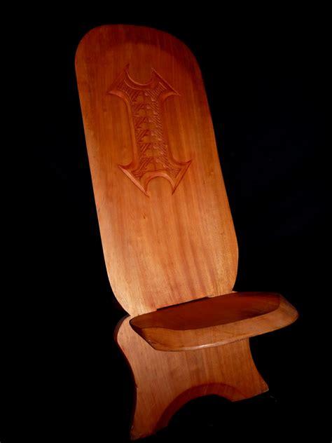 chaise africaine la chaise à palabre ou chaise de gardien meuble africain