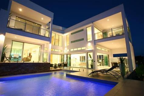 Royal Pines House In Queensland, Australia