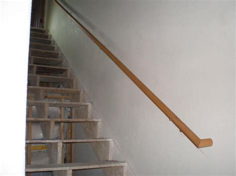 Treppe Handlauf Holz by Wooden Handrail For Stairs Http Www Sbadventures