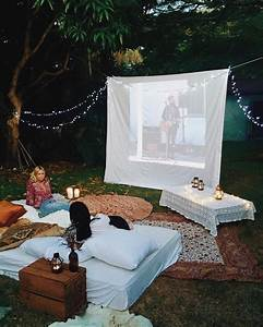 easy diy outdoor cinema will make your yard the ultimate