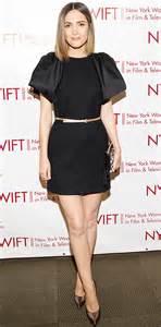 rose byrne looks like natalie portman celeb fashion robin thicke get her back new video b