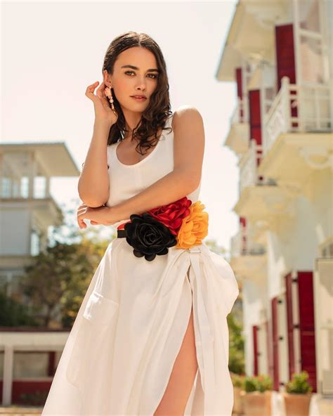 She is an turkish actress. HANDE SORAL - Turkish Entertainment