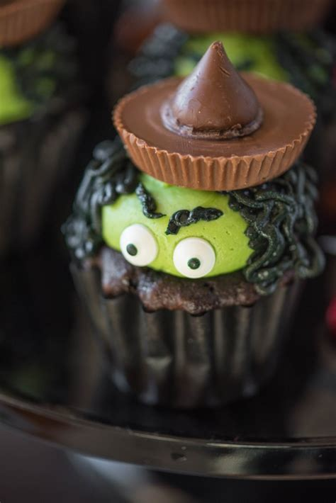 halloween witch cupcakes    gourmet