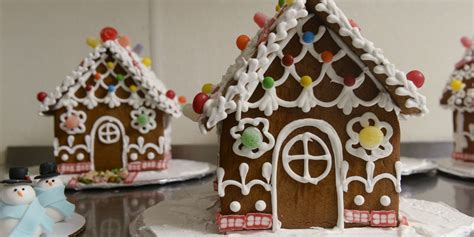 how to build a gingerbread house gingerbread house ideas how to build a gingerbread house delish com
