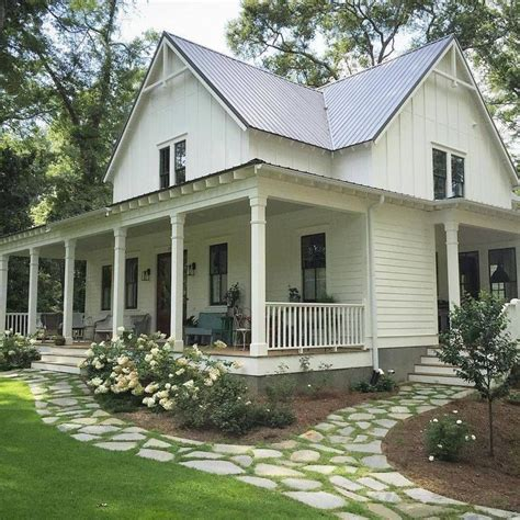17 Best ideas about Country Farm Houses on Pinterest   Nice houses, Dream houses and Traditional