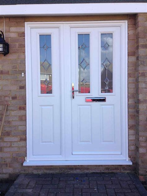 upvc front door  side panel kapandate
