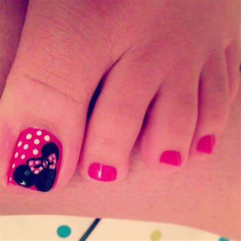 disney toes beauty tips pinterest disney pedicures