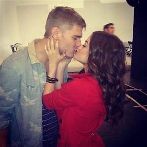 Chris & Lucy Kiss - Chris Zylka and Lucy Hale Photo ...