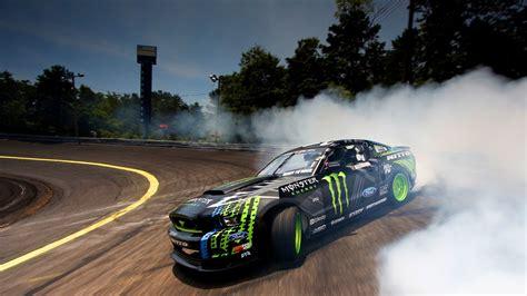 2048x1152 Ford Monster Drifting Smoke 2048x1152 Resolution