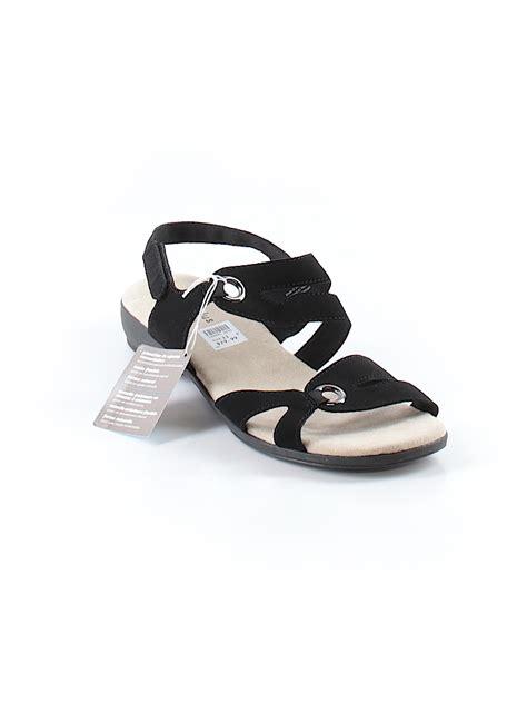 comfort   predictions solid black sandals size    thredup