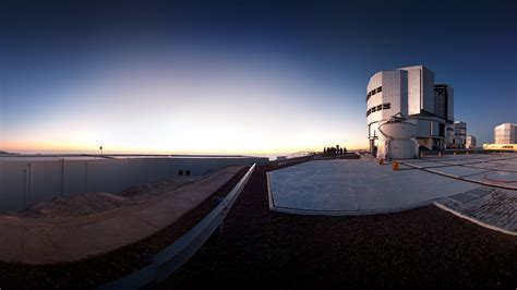 Filevery Large Telescope Ready For Action (wallpaper)jpg