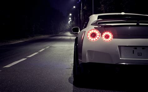 white nissan  gtr  night rear section wallpapers white nissan  gtr  night rear section