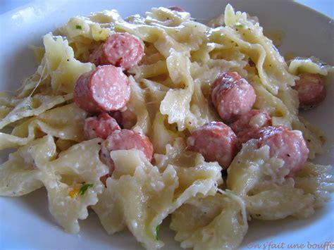 cuisiner la mozzarella mijoté de pâtes saucisses de strasbourg et mozzarella on s 39 fait une bouffe