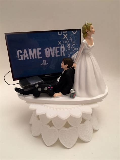 funny wedding cake toppers funny wedding cakes  funny