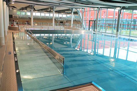 le nouveau centre aquatique de sartrouville s 233 quipe de bracelets de surveillance bluefox