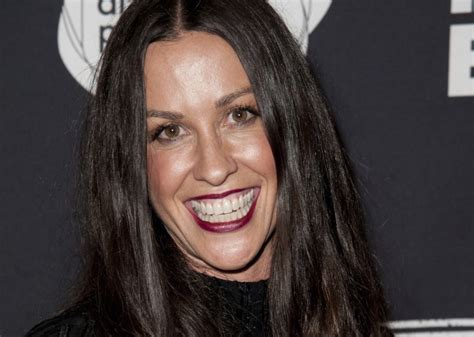 Alanis Morissette's Brentwood home is burglarized; thieves ...