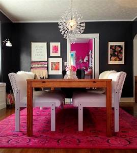 salle a manger contemporaine et deco aux accents fonces With salle À manger contemporaine avec chaises salle À manger rouge