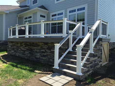 Deck Skirting Ideas by 1000 Ideas About Deck Skirting On Decks