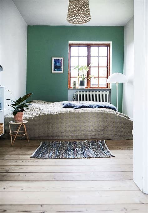 Green Walls In Bedroom by Best 25 Forest Green Bedrooms Ideas On Green