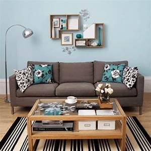 30 idees d amenagement de salon moderne couleurs vives With tapis moderne avec housse coussin pour canapé
