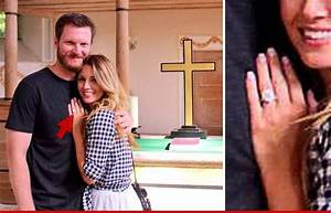 Dale earnhardt jr lures new crew chief amy reimann for Dale earnhardt jr wedding ring