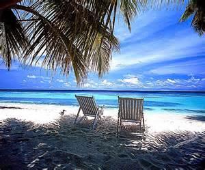 Beautiful Beach Scene Desktop