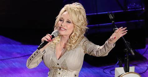 Dolly Parton Plans 'A Holly Dolly Christmas ' On CBS 6 th ...