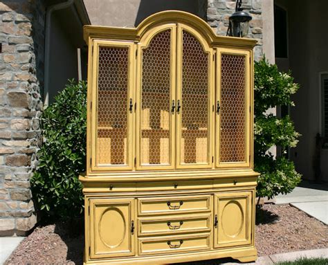 Doubletake Decor Country Style China Hutch