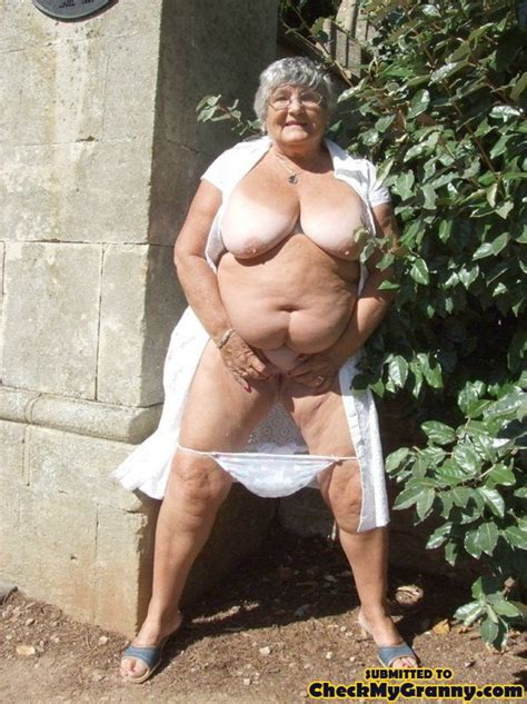 Super Size Mature Bbw Granny Pulls Down Her Xxx Dessert Picture