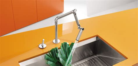 robinet cuisine inox brossé karbon le mitigeur articulé du futur déco salle de bains