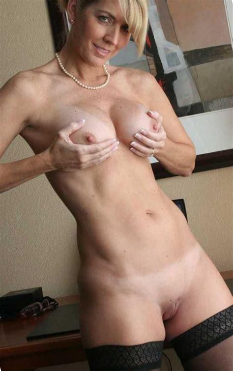 Hot Milf Naked Amateur Moms Nude Xxx Pics Pic Sex
