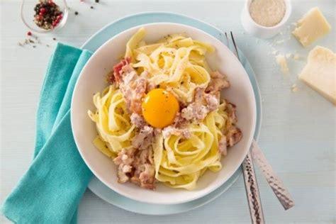 recettes de cuisine facile et rapide recette de tagliatelle à la carbonara facile et rapide