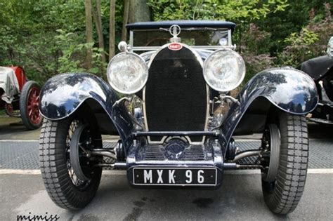 The type 44 marked bugatti's first attempt at creating a true touring car with all of the creature comforts such as a powerful engine coupled to a chassis that was smooth and quiet. automobileweb - bugatti type 44 roadster usine 2_3 places