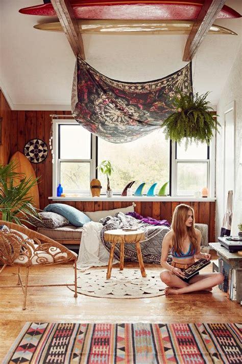 chambre hippie 1001 idées pour la décoration d 39 une chambre gris et violet